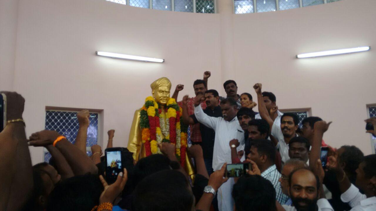 naam-tamilar-seeman-pays-tributes-to-vo-chithambaram-memorial-day