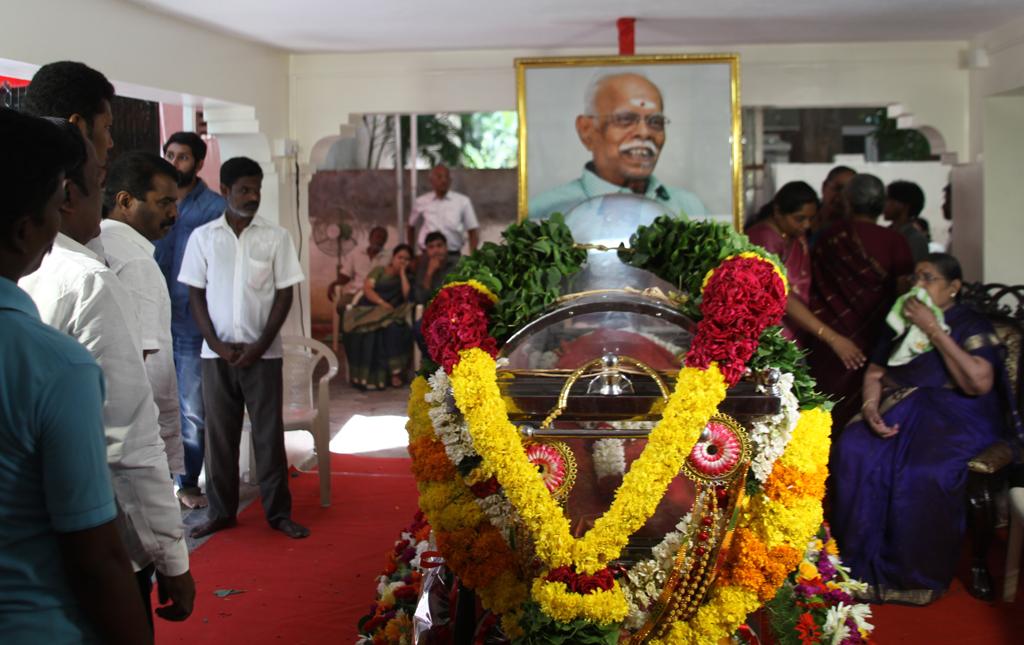seeman-pays-tributes-to-panju-arunasalam