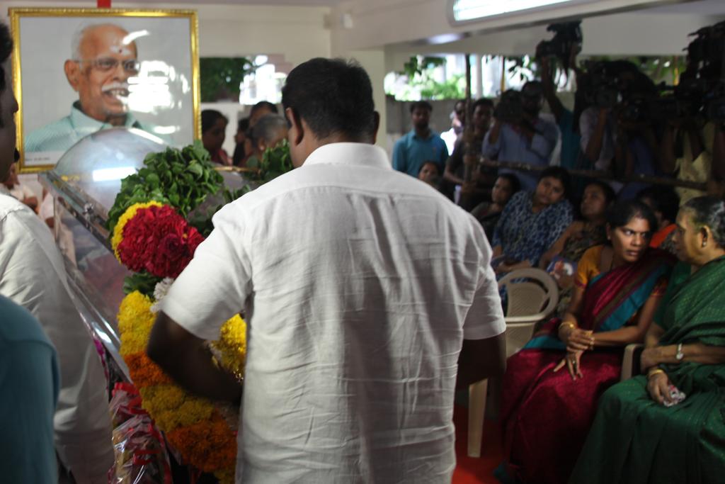 seeman-pays-tributes-to-panju-arunasalam2