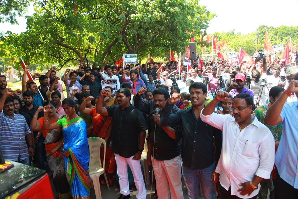 27x13  மாபெரும் கண்டன ஆர்ப்பாட்டம் – சென்னை வள்ளுவர் கோட்டம் 24-07-2016 seeman protest kashmir issue piyush manush arrest2