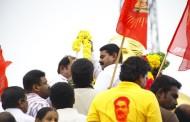 பசும்பொன் திருமகனார் சிலைக்கு சீமான் மரியாதை