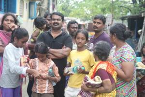 IMG_0830  சென்னை, கோட்டூர்புரத்தில் மீட்புக்களத்தில் நாம் தமிழர் IMG 0830 300x200