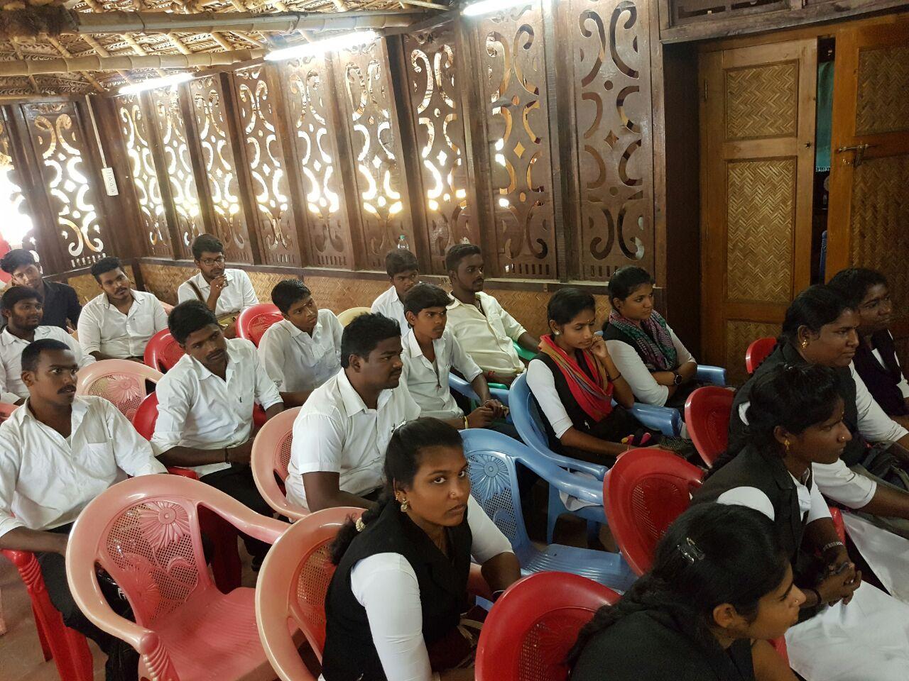 சென்னை சட்டக்கல்லூரி மாணவர்கள் 20 பேர் சீமானுடன் சந்திப்பு chennai law college students meet naam tamilar seeman