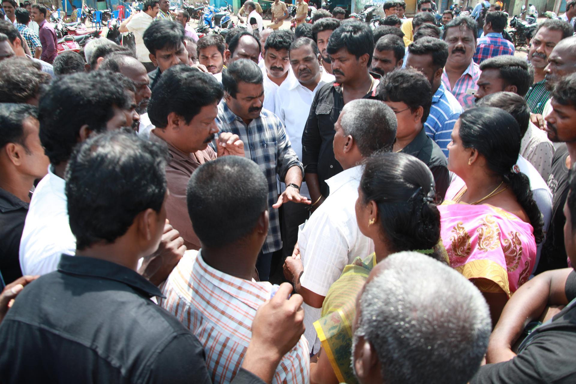 சீன எந்திரப் படகுகளுக்குத் தடைவிதிக்காவிட்டால் போராட்டம் தீவிரமடையும்! – சீமான் எச்சரிக்கை naam tamilar katchi seeman pressmeet china motor boat fishermen police attack kasimedu1 2