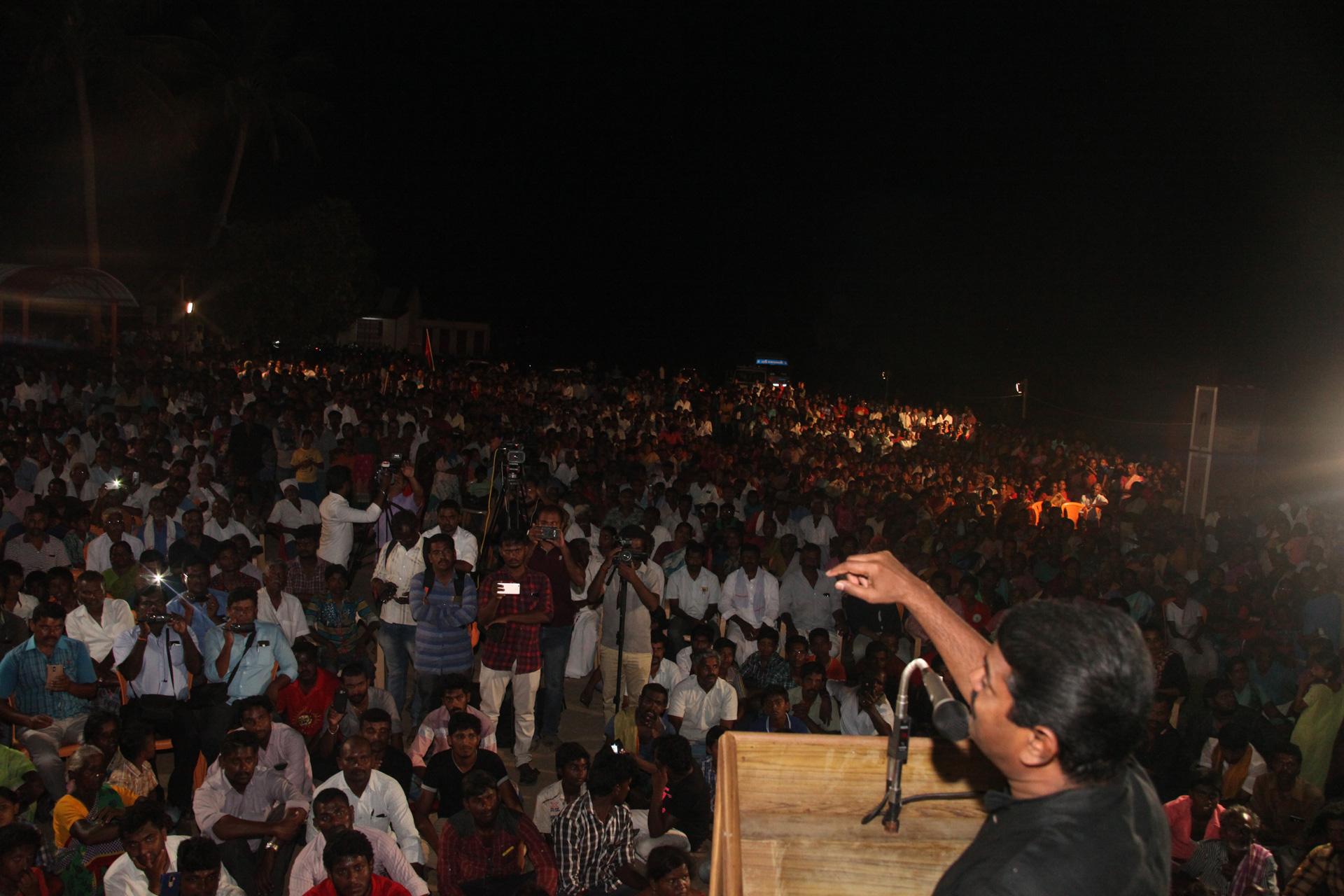சேலம் – சென்னை 8 வழி சாலை மற்றும் சேலம் விமான நிலைய விரிவாக்கத்தை எதிர்த்து மாபெரும் மக்கள் திரள் பொதுக்கூட்டம் | சீமான், பியுஸ்மனுஷ் பங்கேற்பு seeman piyush manush protest against salem airport expansion project salem kaamalaapuram omalur naam tamilar katchi 4