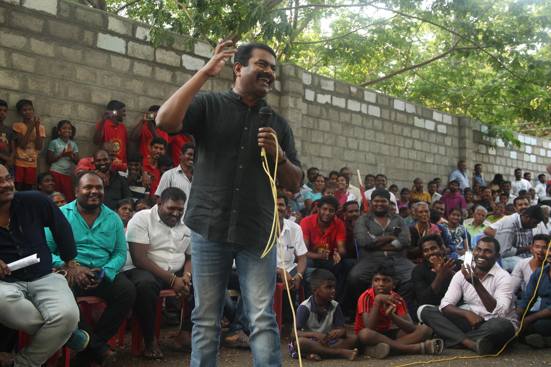 சேலம் – சென்னை 8 வழி சாலை மற்றும் சேலம் விமான நிலைய விரிவாக்கத்தை எதிர்த்து மாபெரும் மக்கள் திரள் பொதுக்கூட்டம் | சீமான், பியுஸ்மனுஷ் பங்கேற்பு seeman piyush manush protest against salem chennai new 8 way greenways road project yerumapalayam naam tamilar katchi 2