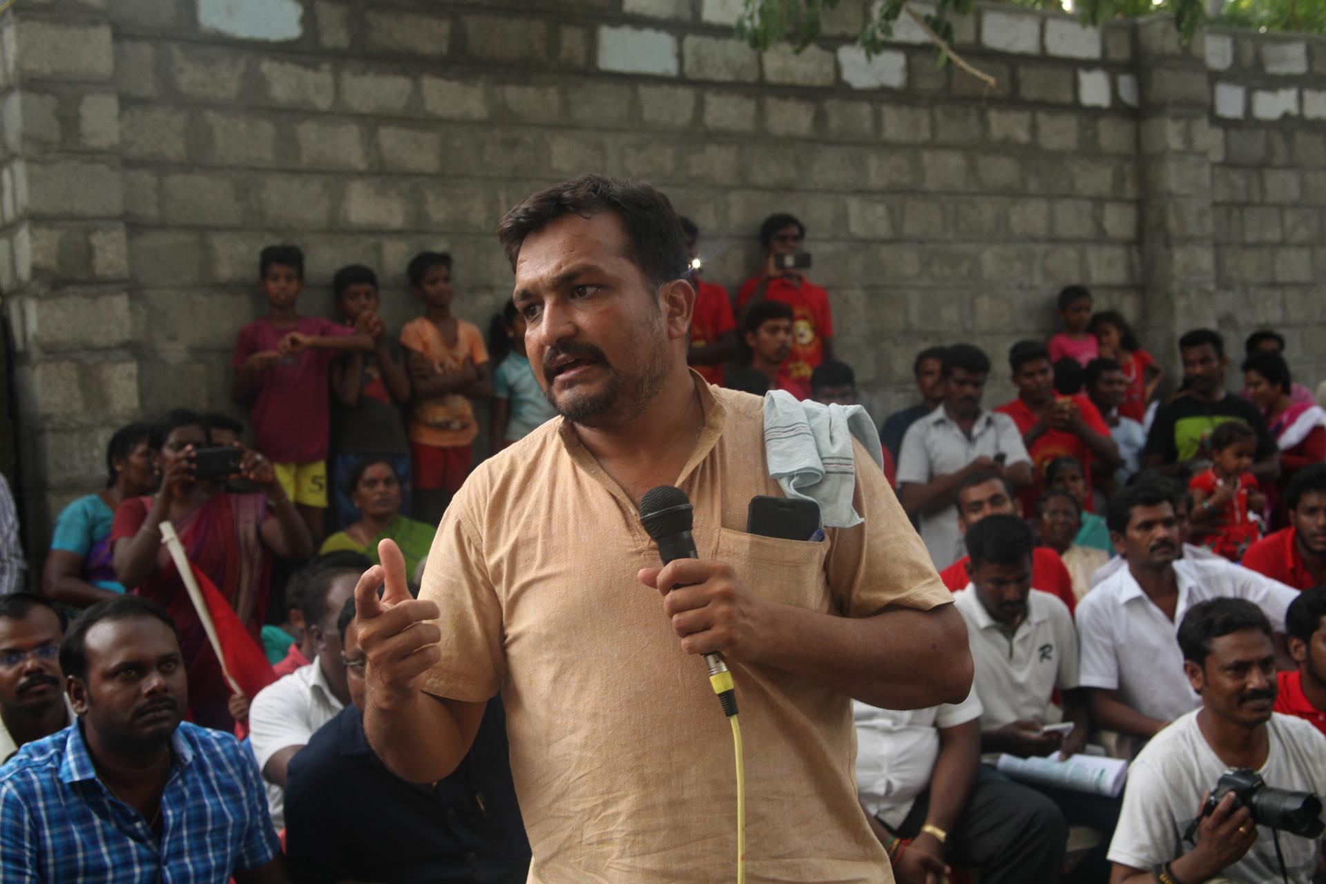 சேலம் – சென்னை 8 வழி சாலை மற்றும் சேலம் விமான நிலைய விரிவாக்கத்தை எதிர்த்து மாபெரும் மக்கள் திரள் பொதுக்கூட்டம் | சீமான், பியுஸ்மனுஷ் பங்கேற்பு seeman piyush manush protest against salem chennai new 8 way greenways road project yerumapalayam naam tamilar katchi 3