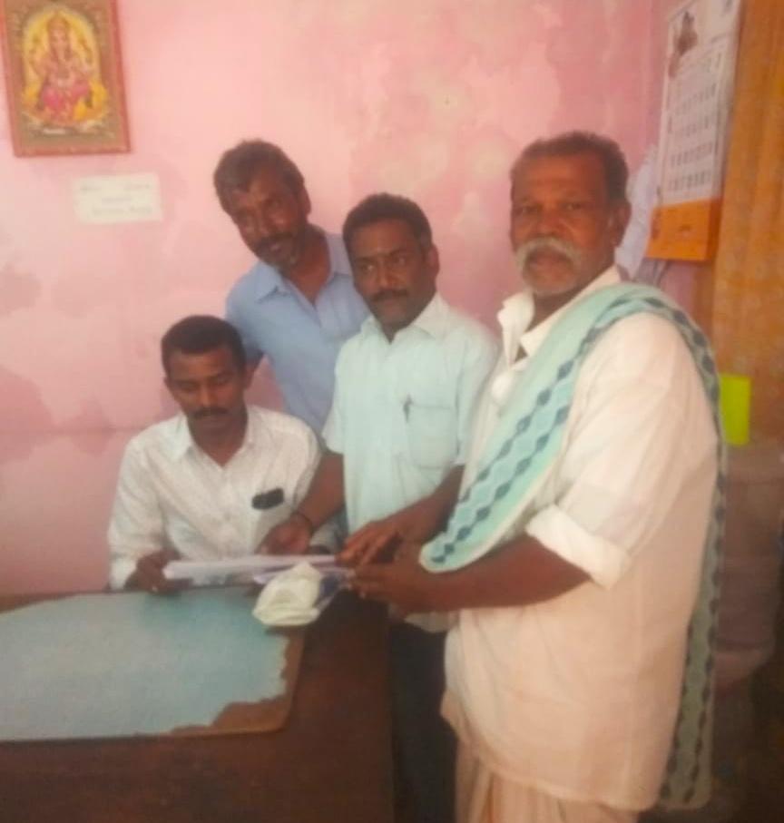 சிறப்பு குறை தீர்க்கும் முகாம்-மனு வழங்கினர்- தேனி