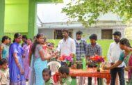 பள்ளி மாணவர்களுக்கு மரக்கன்று வழங்கும் நிகழ்வு-பூந்தமல்லி