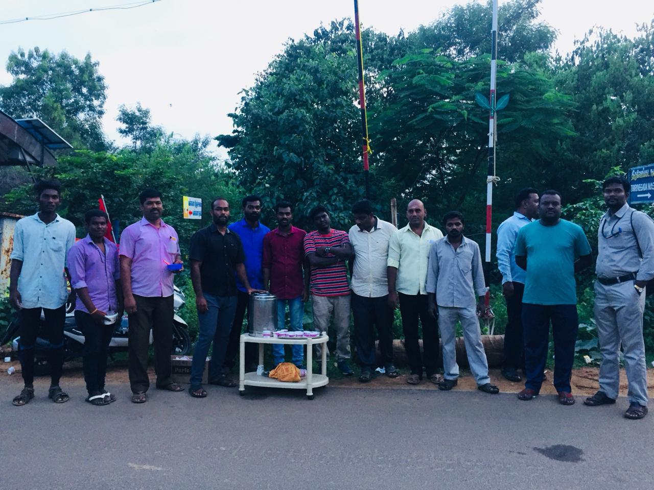 நிலவேம்பு சாறு வழங்குதல்-திருவெறும்பூர் சட்டமன்ற தொகுதி