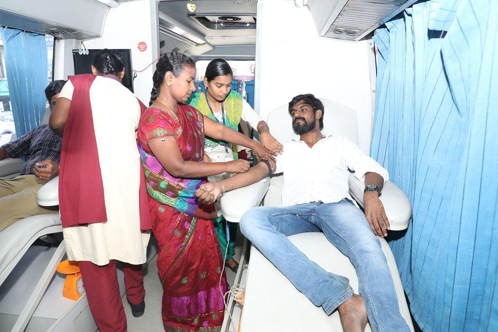 Tamil-Leader-Prabhakaran-Birthday-65-Celebration-Naam-Tamilar-Katchi-Seeman-Chennai-Porur-4